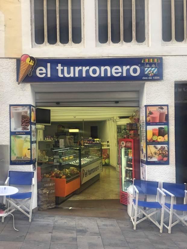 El turronero Los mejores sitios para merendar con niños en Mao Mahon Menorca